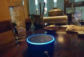国内初、居酒屋でスマートスピーカーに音声注文できる Alexa(アレクサ)オーダー席の予約開始。